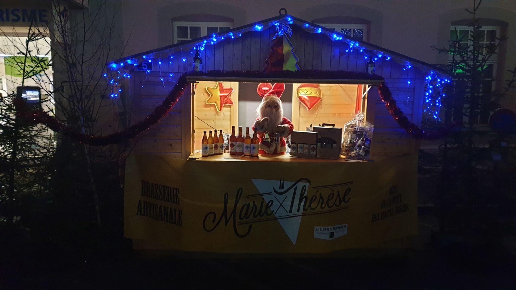 Cabane decorée pour le marché de Noël de Remiremont